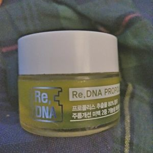 Re DNA